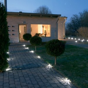 Waarom 12 volt lampjes lees hier de reden - Buitenverlichting design tuin ...